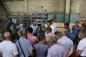 В цехе завода - Калиновский машиностроительный завод
